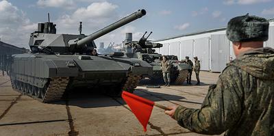 """""""Машина сама расскажет, если что-то не так"""". Секреты парадной подготовки танков """"Армата"""""""