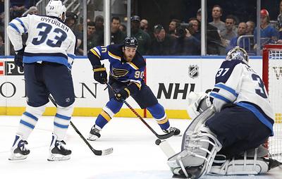 """Сент-Луис"" вырвал победу за 15 секунд до конца матча плей-офф НХЛ против ""Виннипега"""