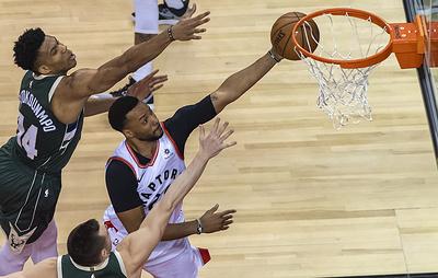 """""""Торонто"""" сократил отставание в полуфинальной серии плей-офф НБА с """"Милуоки"""""""