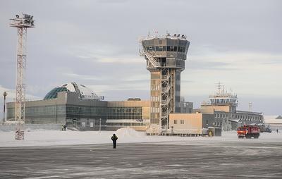 Аэропорт Салехарда на Ямале приостановил работу из-за снегопада