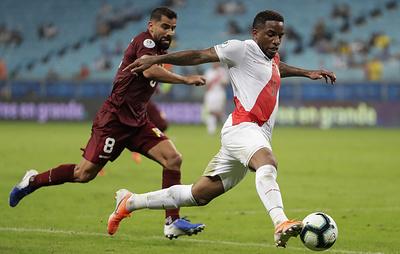 Сборные Венесуэлы и Перу сыграли вничью в матче Кубка Америки по футболу