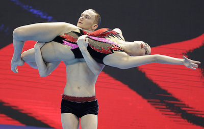 Синхронисты Гурбанбердиева и Мальцев завоевали золото в миксте на чемпионате мира