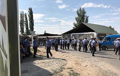 Сторонники Атамбаева прорвались через кордон в районе села Кой-Таш