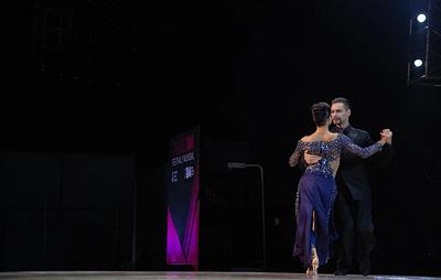 Аргентинские танцоры Родригес и Гомес стали лучшими в сценическом танго на чемпионате мира