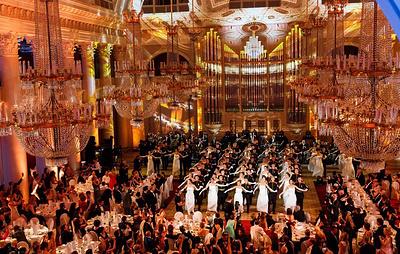 Премьера Дрезденского оперного бала состоялась в Санкт-Петербурге