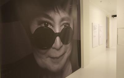 Первая масштабная выставка работ Йоко Оно открывается в Москве