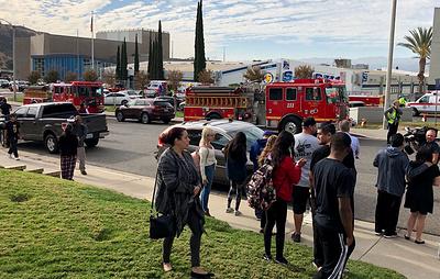 """СМИ: подозреваемый в стрельбе в Калифорнии обнаружен и """"больше не представляет угрозы"""""""