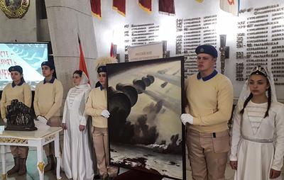 Произведения осетинских художников на военную тему передали в дар городу-герою Волгограду