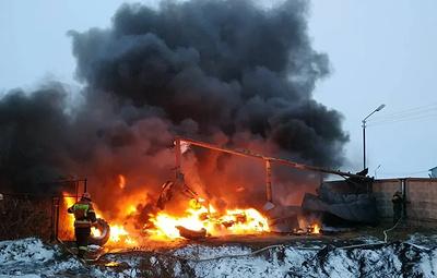 Под Екатеринбургом горит склад с покрышками
