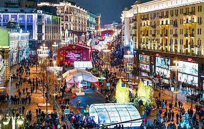 Новогоднее украшение улиц Москвы посвящено теме космоса