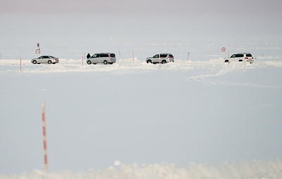 Движение на двух зимних дорогах Ямала закрыли из-за погоды
