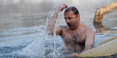 Как купаться на Крещение, чтобы не заболеть. Советы спасателей и моржей