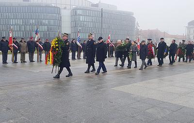 Дань памяти Неизвестному Солдату отдали в Варшаве в 75-ю годовщину освобождения от фашизма