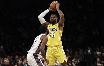 "Трипл-дабл Джеймса принес ""Лейкерс"" победу над ""Бруклином"" в матче НБА"