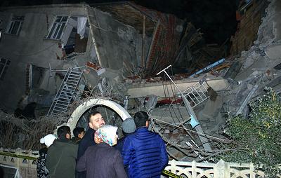Число погибших в результате землетрясения в Турции увеличилось до восьми