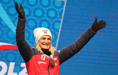 Сборная Норвегии выиграла женскую эстафету на чемпионате мира по биатлону