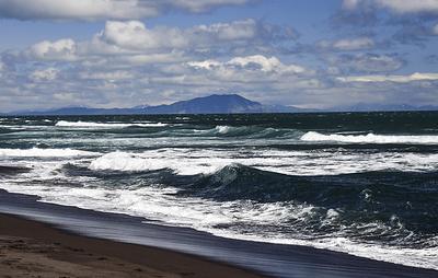 На северных Курилах объявлена угроза цунами после землетрясения