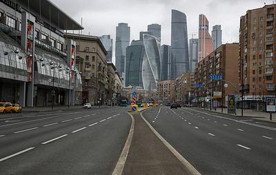 Ограничительные меры из-за коронавируса продлил каждый второй регион России