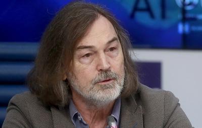 Никас Сафронов попал в ДТП в центре Москвы