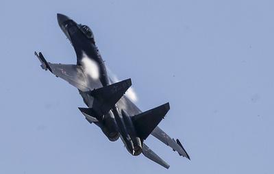 В МО РФ заявили о самолете США, летевшем в сторону военных объектов России в Сирии