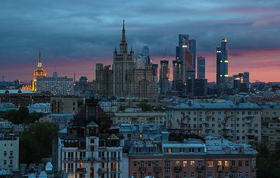 Эксперты спрогнозировали падение ВВП РФ на 8% и доллар по 90 рублей к концу года