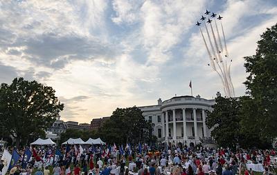 День независимости США отметили в Вашингтоне воздушным парадом