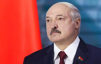"""Лукашенко назвал Тихановскую, Цепкало и Колесникову """"несчастными девчонками"""""""