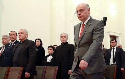Власти Абхазии не планируют вновь закрывать границу с Россией из-за коронавируса