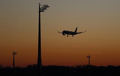 CNN: самолет вице-президента США вернулся в аэропорт вылета после столкновения с птицей