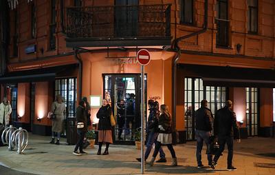 Заведениям Москвы разрешили обслуживать посетителей по ночам