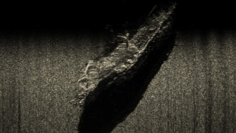 Гидроаккустическое изображение корпуса парусника на глубине 68 метров