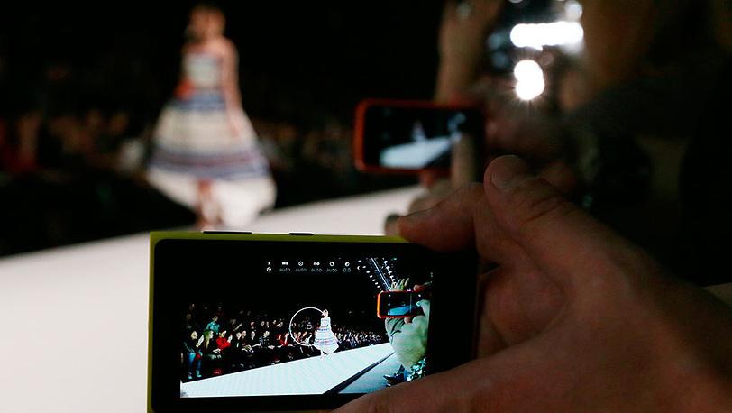 Показ коллекции бренда Laroom на Mercedes-Benz Fashion Week Russia. Фото ИТАР-ТАСС/ Артем Геодакян