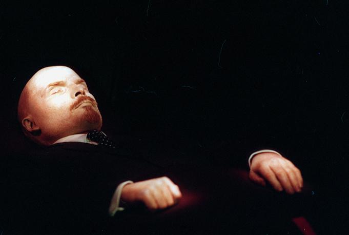 В.И. Ленин в Мавзолее