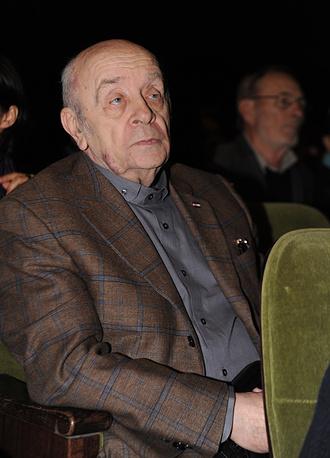 Актер Леонид Броневой во время сбора труппы театра «Ленком», 2009 г.