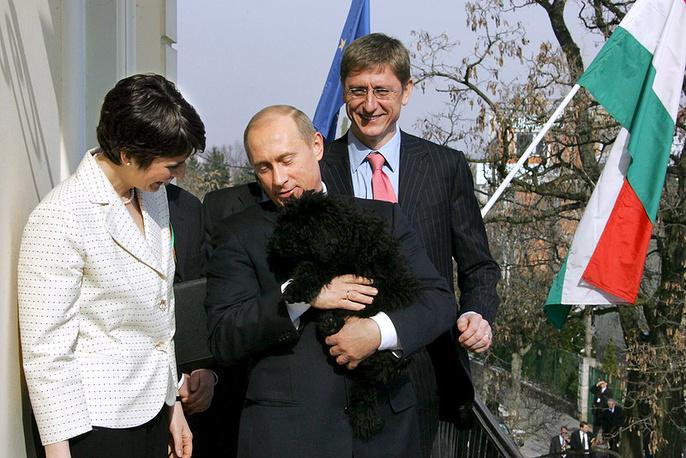 Президент России Владимир Путин на встрече с премьер-министром Венгрии Ференц Дюрчань  перед отъездом из Венгрии. 01 марта 2006 г.