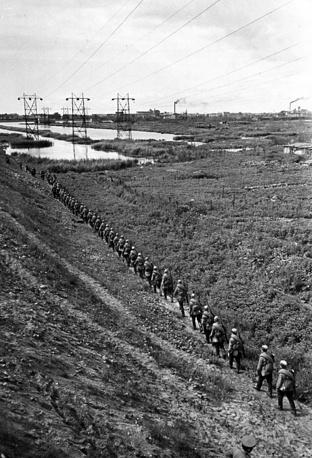 Кировцы направляются на фронт.