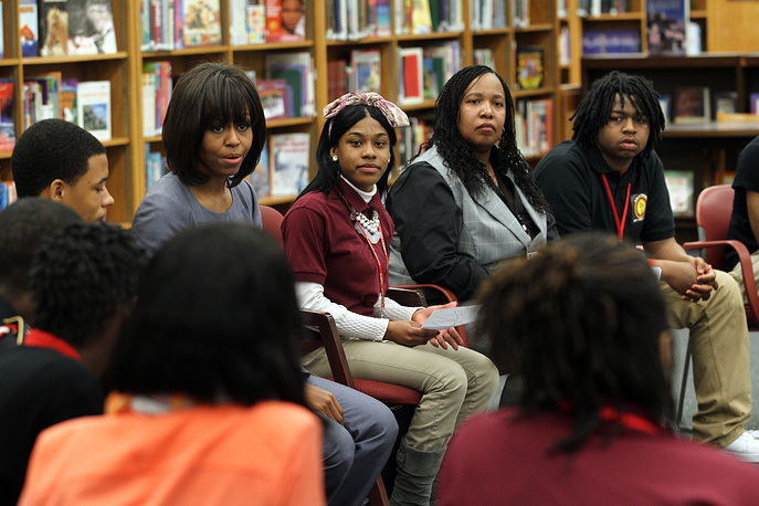 Мишель Обама активно занимается развитием образования - прежде всего для открытия доступа к нему молодежи из непривилегированных семей.