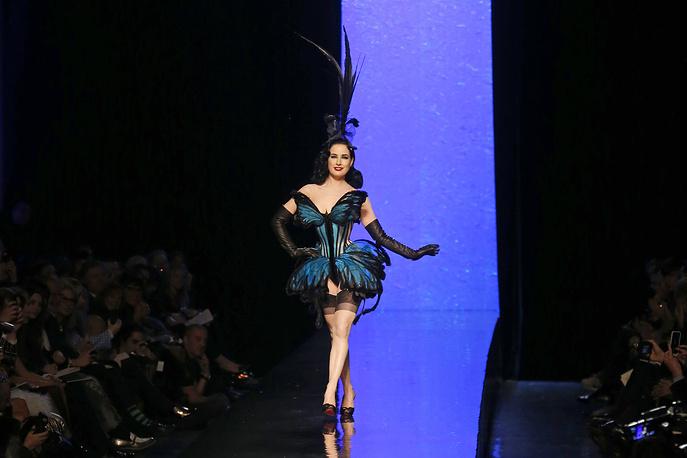 Дита фон Тиз во время показа Jean-Paul Gaultier
