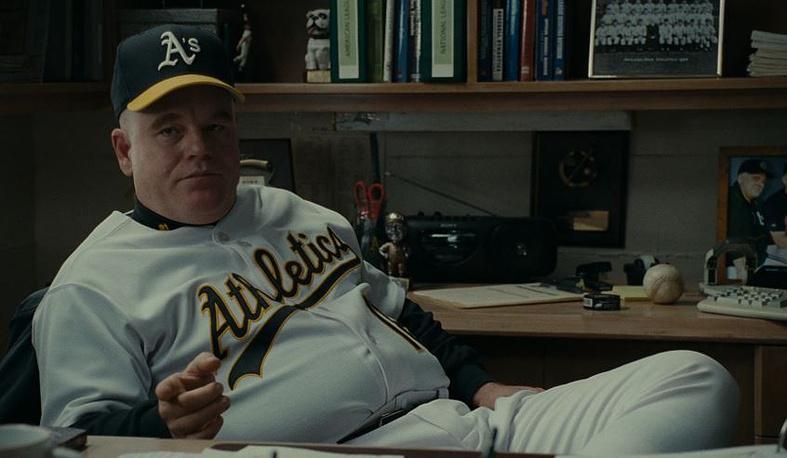 Хоффман в фильме Беннетта Миллера «Человек, который изменил все», 2011