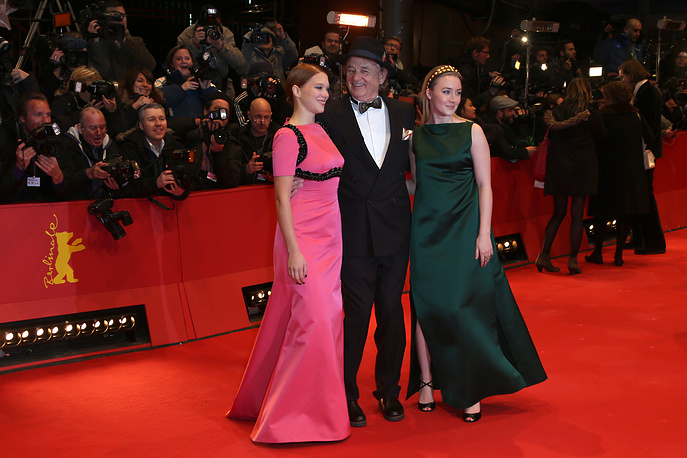 Актеры Билл Мюррей, Леа Сейду (слева) и Сирша Ронан (справа)