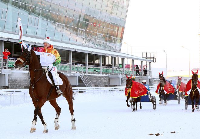 Этап эстафеты олимпийского огня в Уфе, 20 декабря 2013 г.