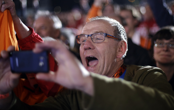 Отец голландского конькобежеца Стефана Гротхейса, ставшего победителем Олимпийских игр в Сочи на дистанции 1000 м