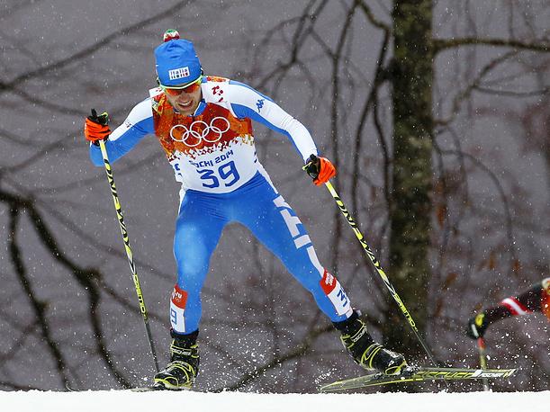 Итальянский спортсмен Алессандро Питтин во время соревнований по лыжному двоеборью
