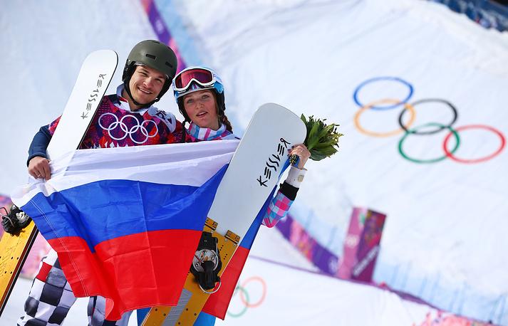Подобный результат показали в 2002 году биатлонисты Рафаэль и Лив-Грете Пуаре в эстафете. На Олимпиаде в Солт- Лейк-Сити француз завоевал бронзу, а норвежка - серебро.