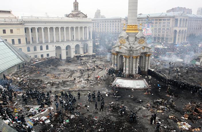 Площадь Независимости 19 февраля 2014 года