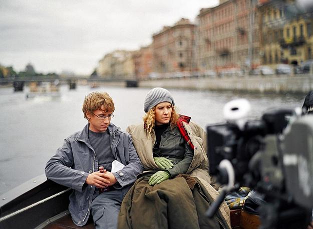 """Рената Литвинова и Александр Яценко в  сцене из фильма Алексея Балабанова  """"Мне не больно""""."""