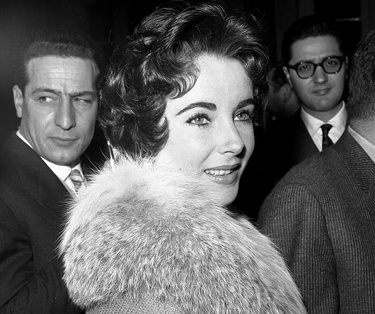 """Актриса начала сниматься в кино в 1942 году, два года спустя она заслужила признание зрителей за роль в фильме """"Национальный бархат"""""""