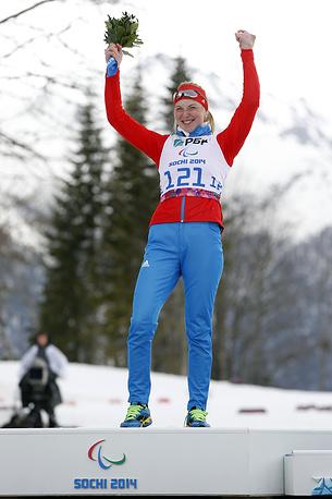 "Биатлонистка Алена Кауфман выиграла золото Паралимпиады на дистанции 6 км в категории ""стоя"""