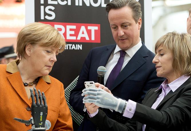 Официальным партнером ярмарки в этом году стала Великобритания. На фото: Ангела Меркель и Дэвид Кэмерон