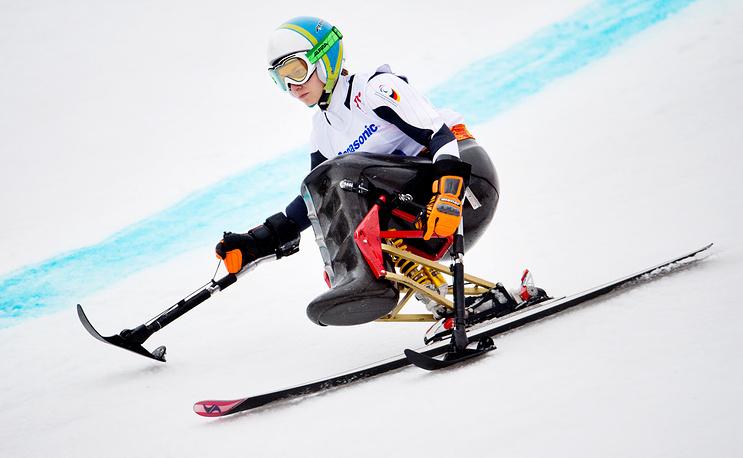 """Немецкая горнолыжница Анна Шаффельхубер завоевала золотую медаль в суперкомбинации в категории """"сидя"""""""